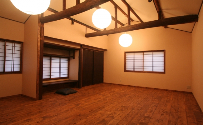 Shoji Screen in Post and Beam House